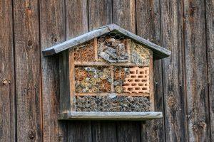 Ein Insektenhotel bauen – Upcycling